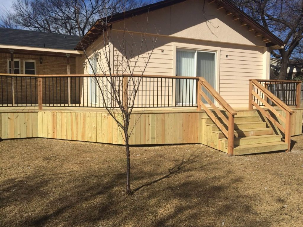 Deck Builder in Dallas